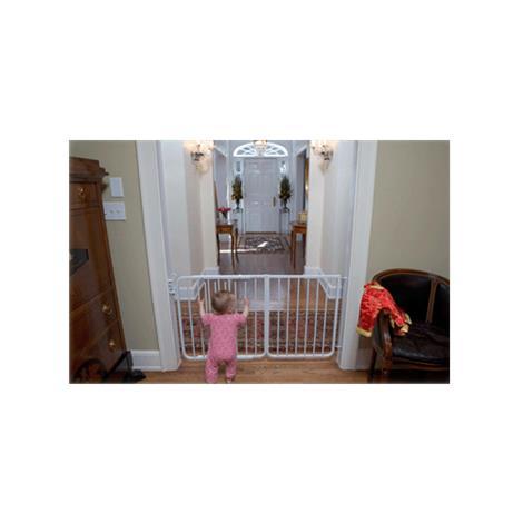 Cardinal Gates Auto-Lock Safety Gate